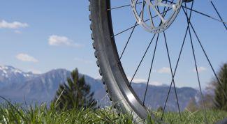 Сборка колеса велосипеда и устарнение восьмерки