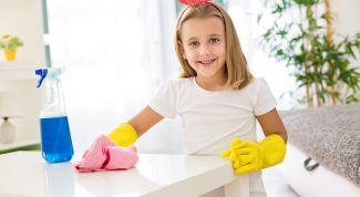 как и когда приучать ребенка к домашним обязанностям