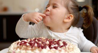 Почему у детей возникает аллергия на сладкое