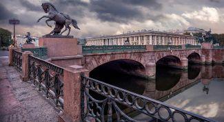 Аничков мост: описание, история, экскурсии, точный адрес