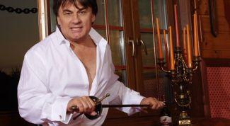 Что случилось с певцом Александром Серовым