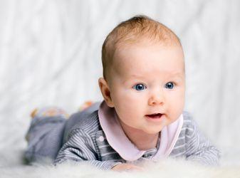 Период развития ребенка от 6 месяцев до 1 года