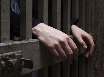 Как отличается тюрьма от колонии