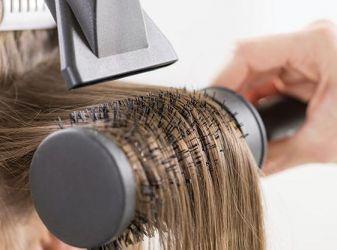 Как уложить волосы с помощью брашинга