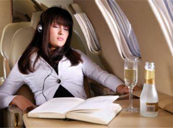 выспаться в самолете
