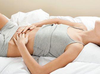 Как облегчить боль при менструации