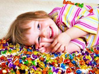 Как ограничивать ребенка в сладком