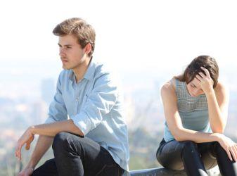 7 вещей, которые делают все пары, отношения которых обречены