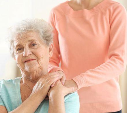 Как проявляется недержание при болезни Альцгеймера