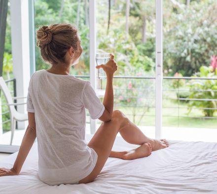 Зачем пить теплую воду по утрам