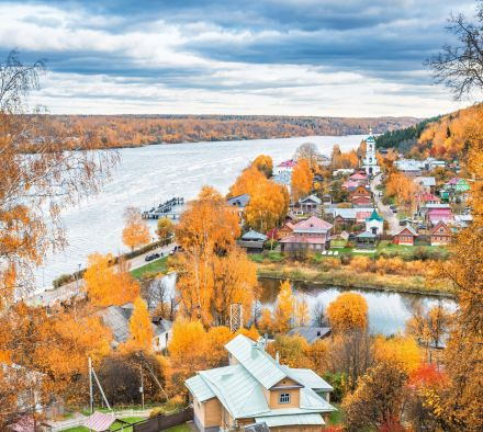 Where to go in October to Russia