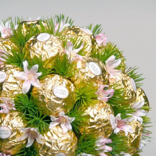 Как оформить букеты из конфет