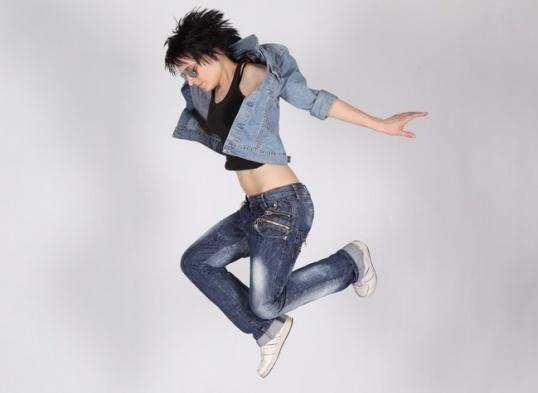 КАК переделать джинсовую куртку джинсовые жилеты своими руками Рукоделие