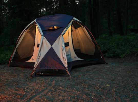 Хорошо отдохнуть в палатке можно, только если правильно ее установить