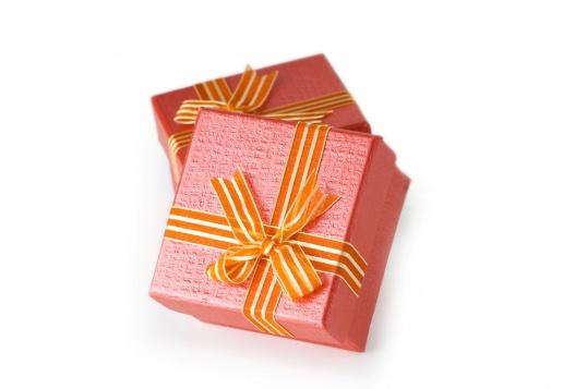 Как сделать подарки на день рожденья своими руками