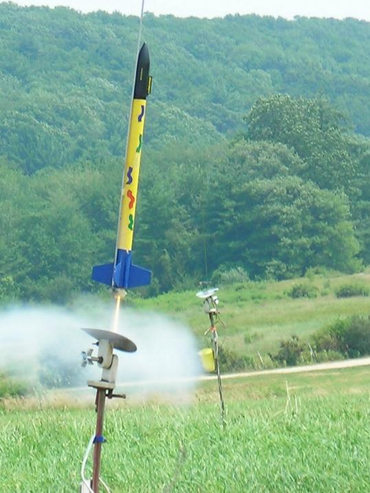 Игрушечная ракета летает так же, как настоящая