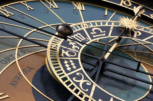 Чтобы узнать свой знак зодиака или годовой знак, нужно знать полную дату рождения