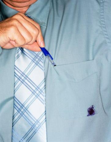 Как вывести пятна от шариковой ручки