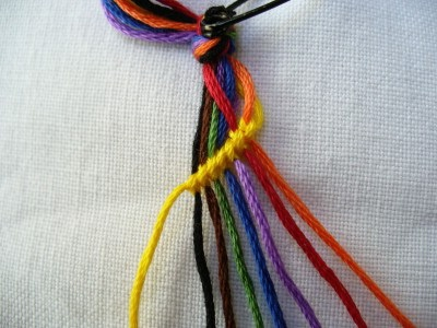 КАК плести фенечки из ниток для начинающих Фенечки из двух ниток Рукоделие