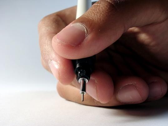 Как правильно держать ручку