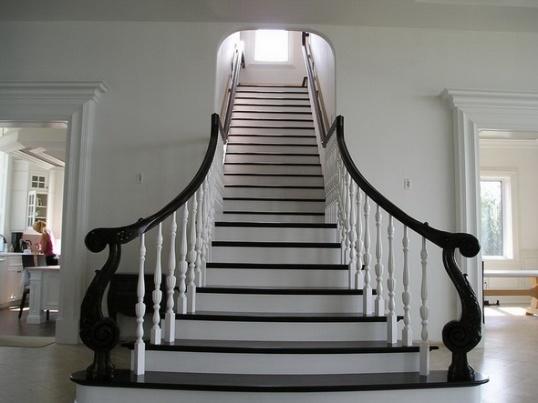 Как построить лестницу на мансарду