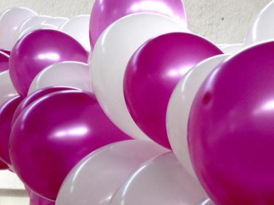 Как сделать украшение из воздушных шаров
