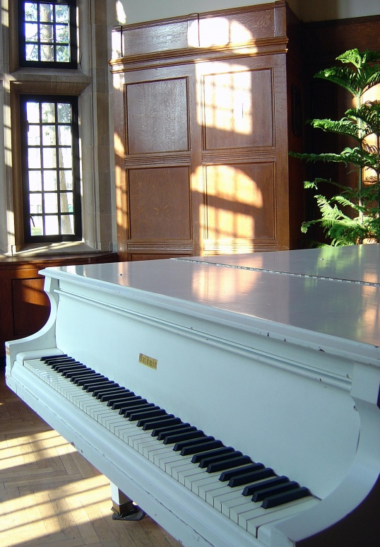 Как покрасить пианино