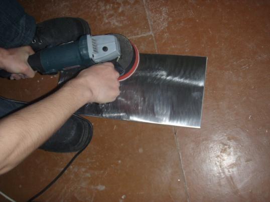 Как снять краску с металла