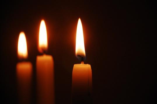 Как ставить свечи в храме