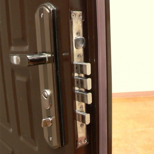 Как перекодировать дверной замок