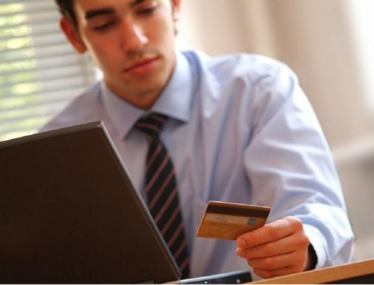 Как перевести деньги с пластиковой карты на телефон