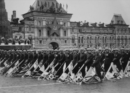 Как проходил парад 9 мая 1945 года Море Советов! - сайт советов