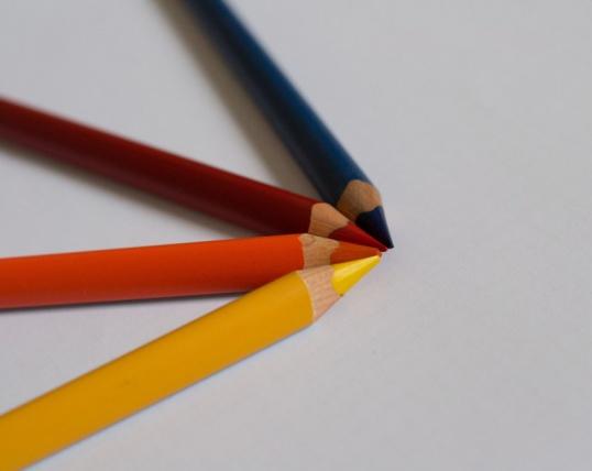 Джерри можно нарисовать сразу цветными карандашами