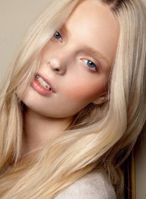 Румяна для светлой кожи светлых волос