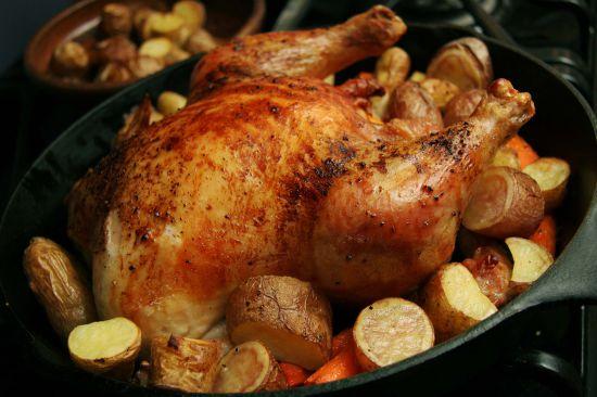 как запечь куриную грудку в духовке с картошкой