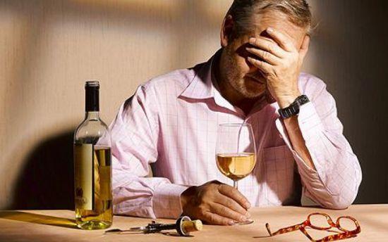 Как вывести от алкоголика от запоя