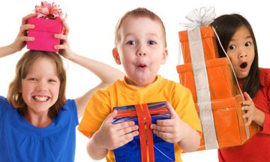 Какой подарок подарить ребенку на 4 года мальчику