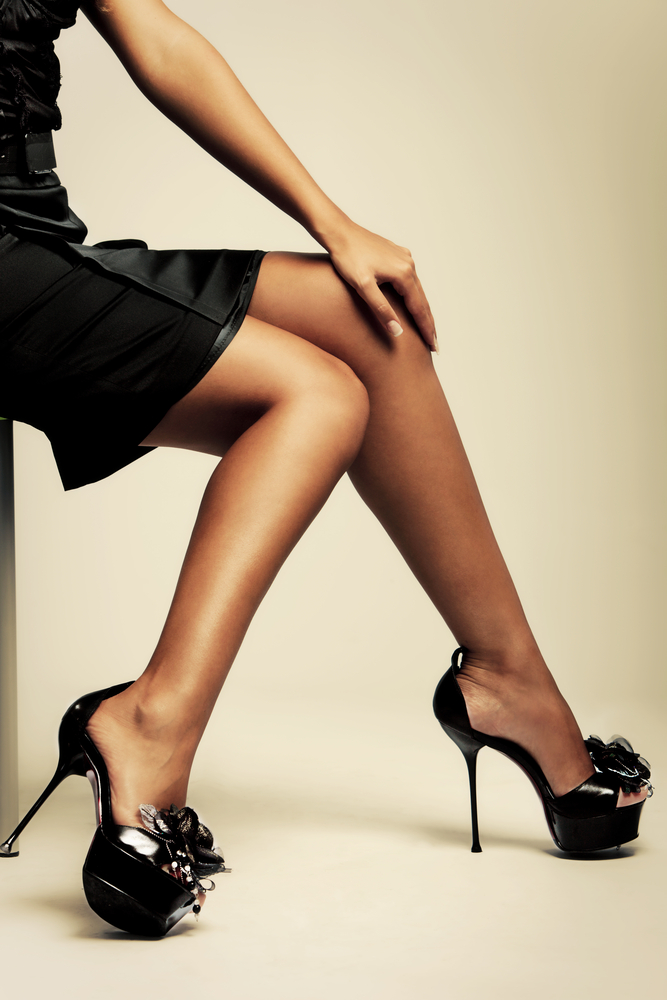 Длинные ножки на каблуках порно видео