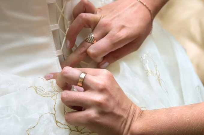 How to decorate dress: tips for fashionista
