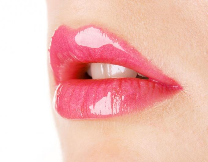 Как ухаживать за губами