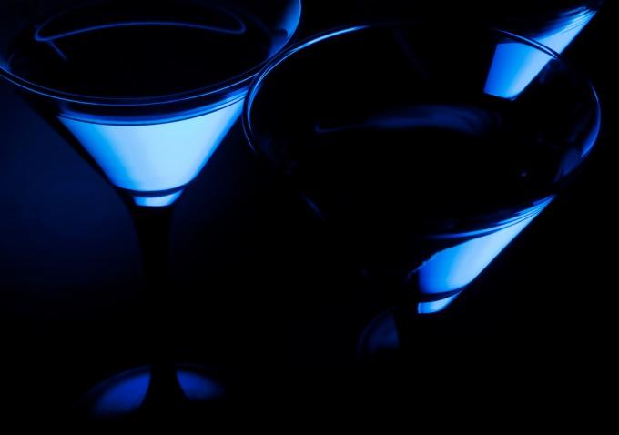 Как пить ликёр