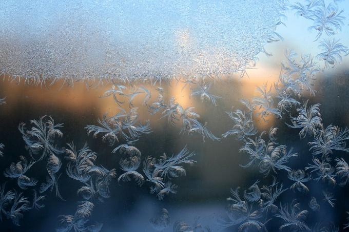 Как утеплить окна