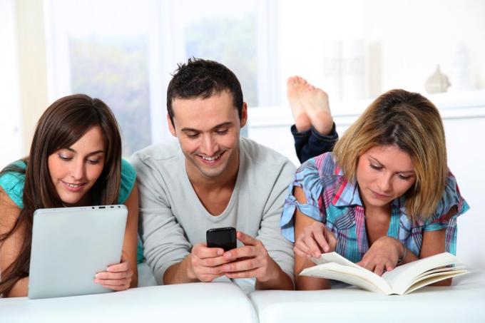Как читать книги на телефоне