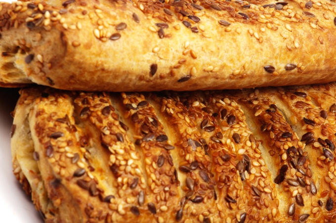 Как испечь хлеб с семечками
