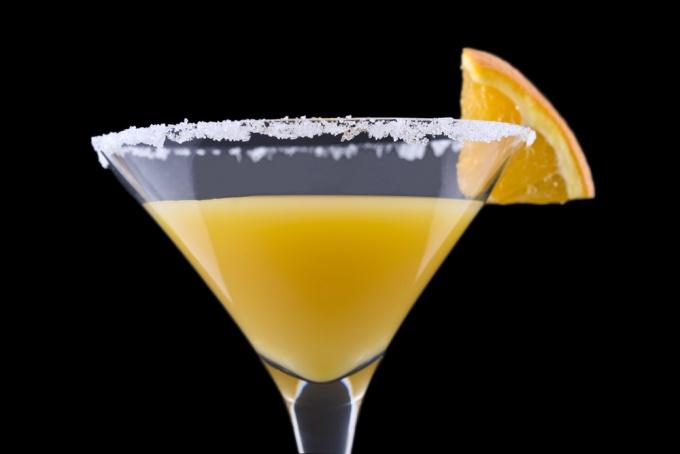 Как приготовить коктейль «Отвертка»