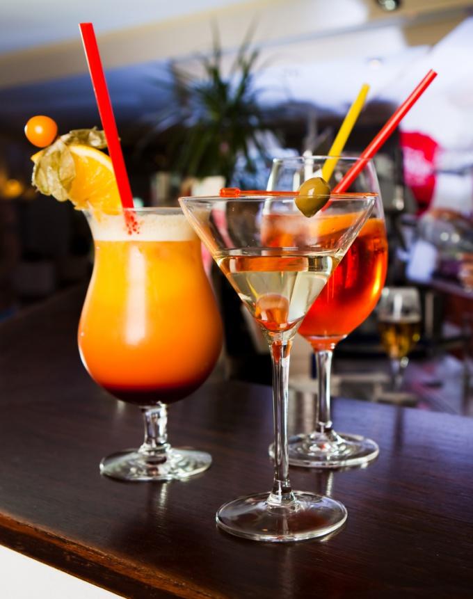 Как приготовить коктейль «Текила санрайз»