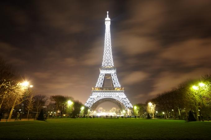 Как увидеть Париж и сэкономить