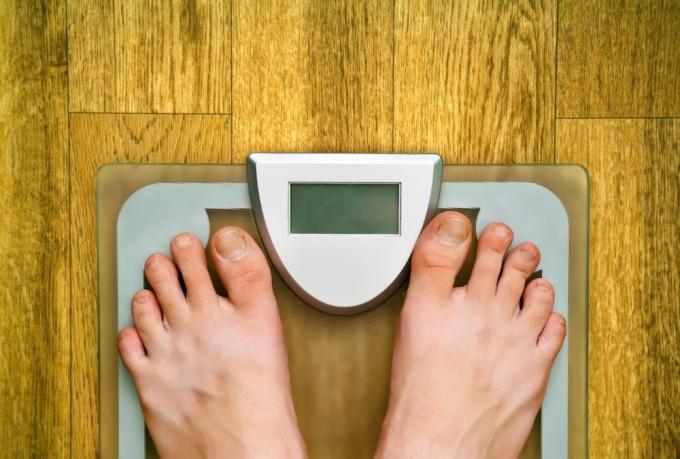 Как рассчитать идеальный вес, исходя из роста