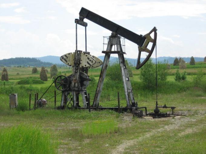 Как бурить нефтяные скважины