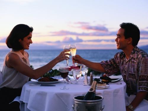 Как украсить стол на романтический ужин